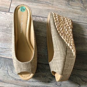 New CL Chinese Laundry Size 7.5 Espadrille Wedges
